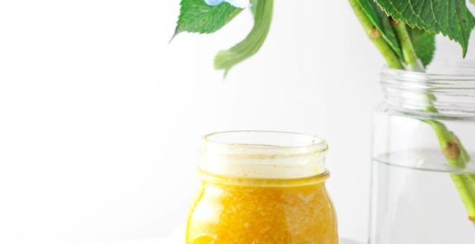 Pineapple Mango Kombucha Smoothie