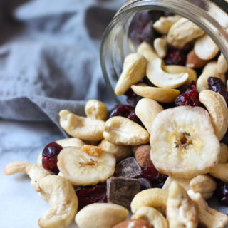 Easy 5-Ingredient Fall Trail Mix Recipe! Perfect healthy snack and great for anyone with a sweet tooth! Vegan, gluten-free, dairy-free recipe.